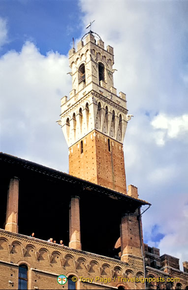 The top of Torre del Mangia