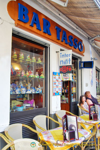 Bar Tasso, an internet cafe on Via Tasso