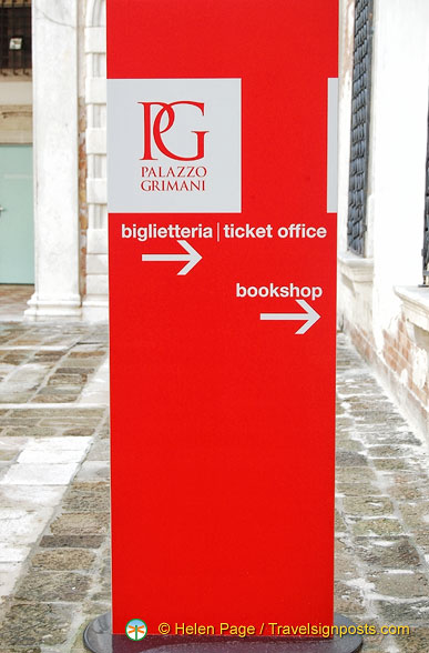 Palazzo Grimani ticket office and bookshop
