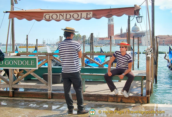Gondoliers waiting for business