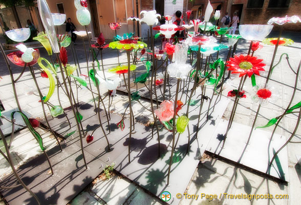 Giardino Italia - made of 150 glass elements