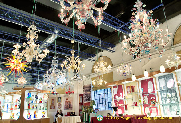 Arti Veneziane Murano glass showroom