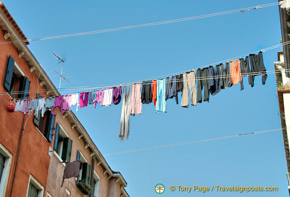 Local colour in Santa Croce