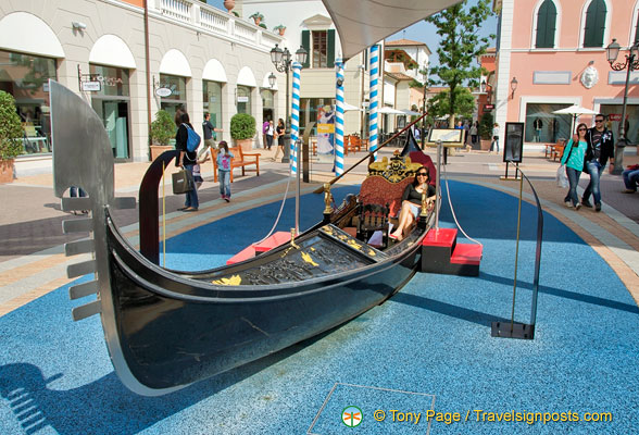 Riding my gondola at the Noventa outlet