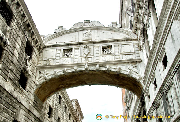 A chance to look under the Ponte de Sospiri or Bridge of Sighs