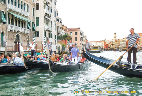 A meeting of gondoliers
