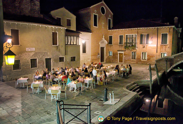 Romantic restaurant in Campiello del Piovan
