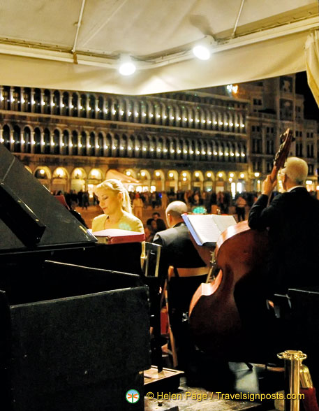 Music at Caffè Florian at night