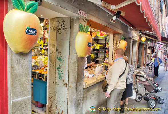 A nice fruit shop in San Marco