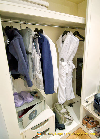 Walk-in wardrobe at the Splendid Hotel