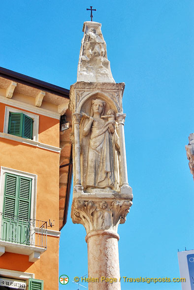 Column on Piazza Erbe