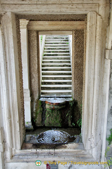 A couple of small water fountains in Villa D'Este