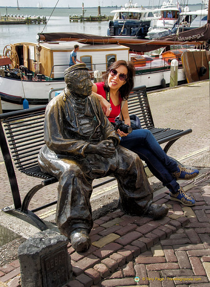 Chatting to an old fisherman
