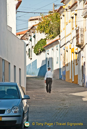 Exploring the streets of Arraiolos
