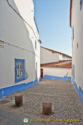 Side street in Arraiolos