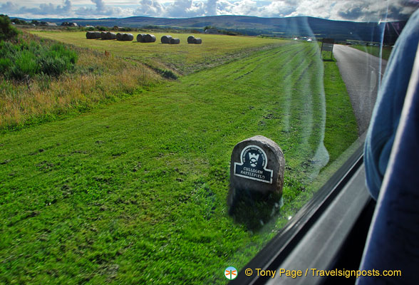 Approaching the Culloden Battlefield Visitor Centre