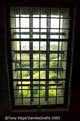 Seeing through the windows of Edinburgh Castle