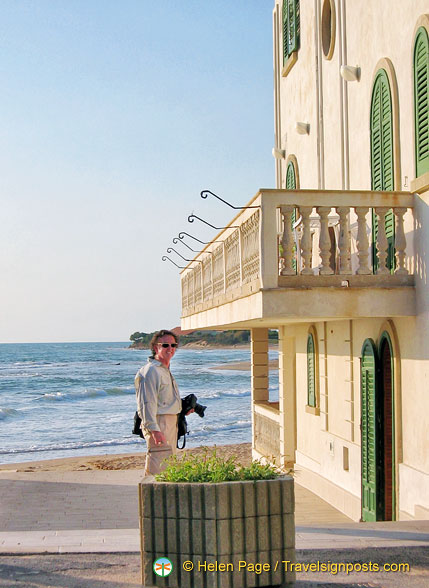 Tony checking out Inspector Montalbano's house
