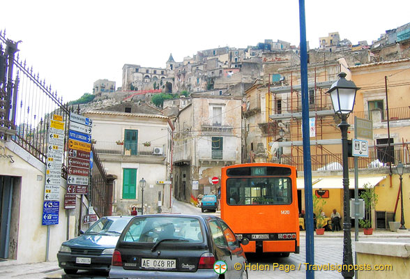 Hill-top villages in Ragusa