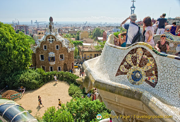 The plaza offers a full view of Barcelona city and the bay.