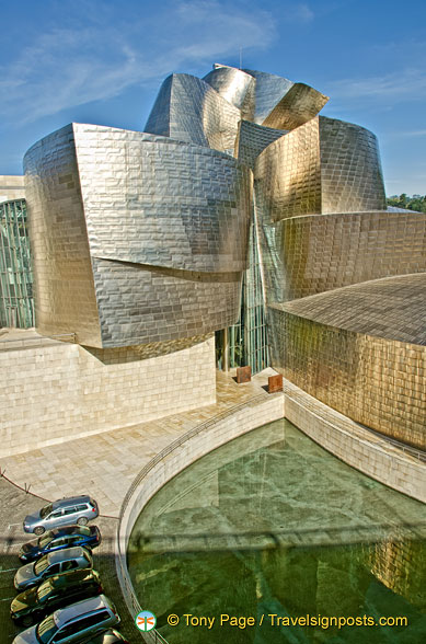 Guggenheim Bilbao: It took only 4 years to build this amazing structure