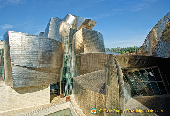Guggenheim Bilbao: More swirls and twirls of the exterior