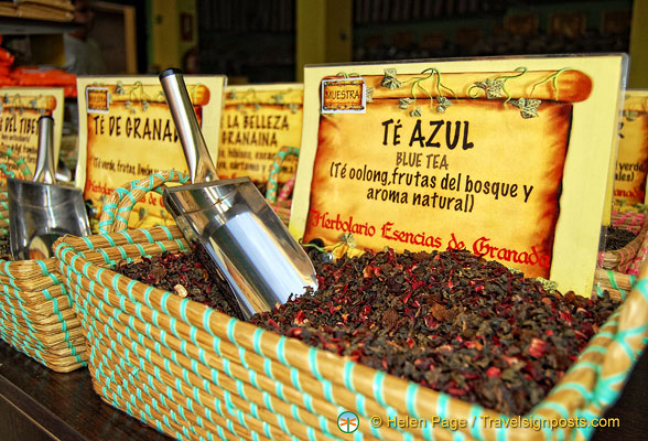 Teas and infusions at the Herbolario Esencias de Granada