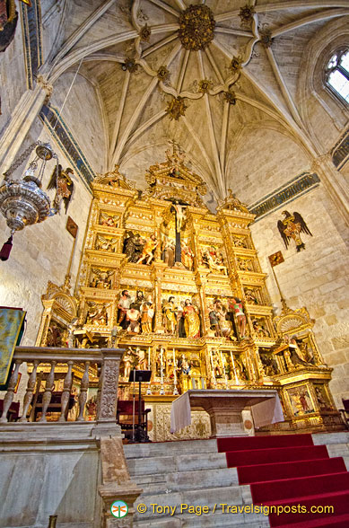Capilla Real: View of the Main Altarpiece