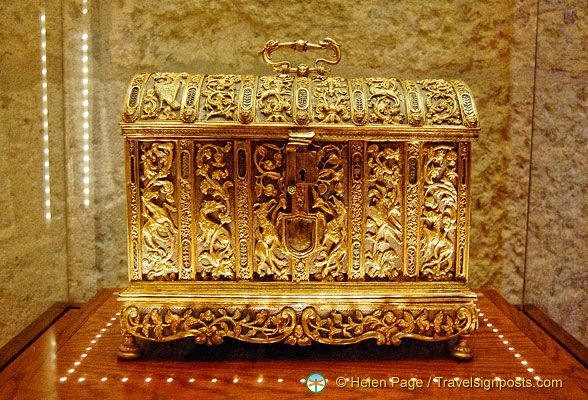 Capilla Real:  Gold chest in the Sacristy Museum