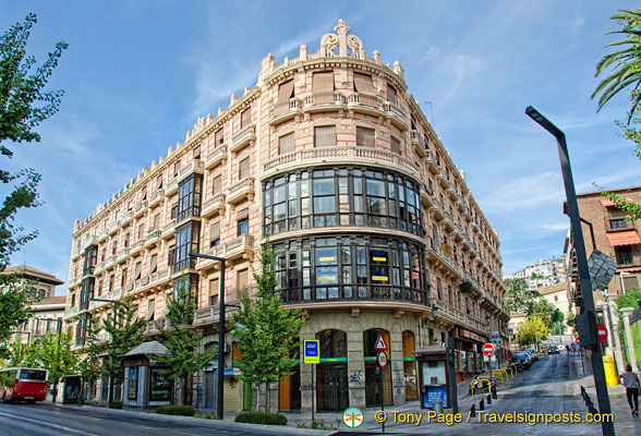 Building on Gran Via