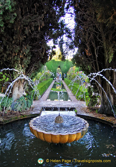 Generalife Lower Garden:  A fountain and pool amongst the conifer hedges