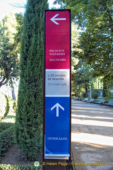 Signpost for the Palacios Nazaries and Generalife