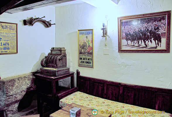 One of the dining rooms in Mesón Rincón