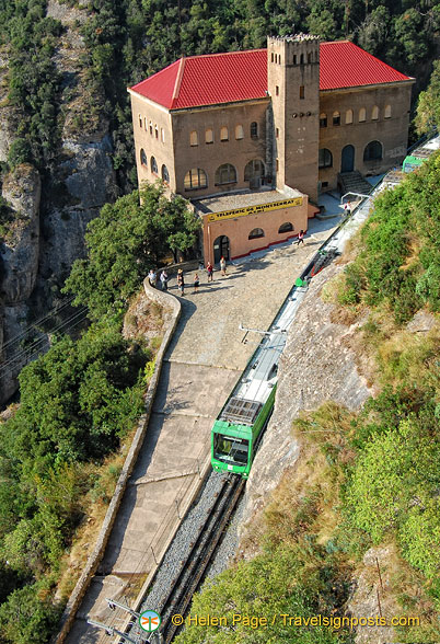 Teleferic de Montserrat - Cable car station stop