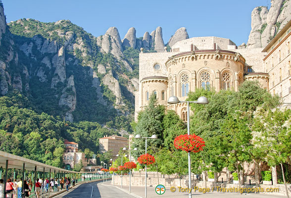 Magnificent view of the Monastery with Montserrat in the background