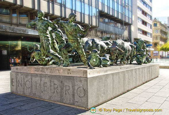 Monument to the Pamplona Encierro