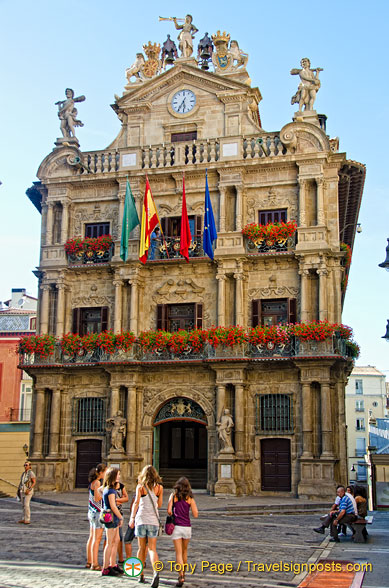 Pamplona Town Hall in the heart of the historical quarter