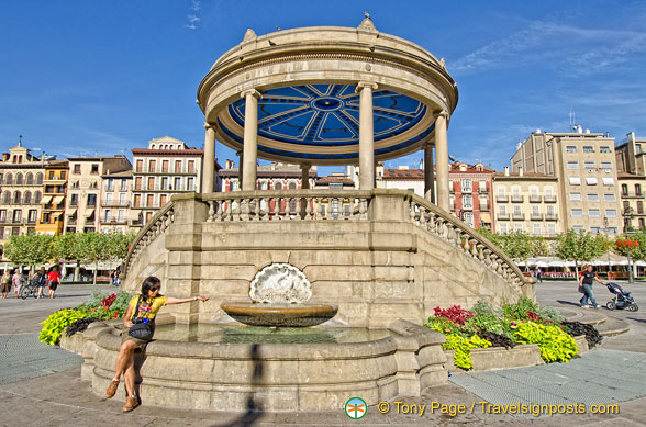 The beautiful bandstand in the middle of Plaza del Castillo