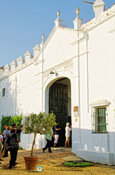 Hacienda los Miradores main entrance