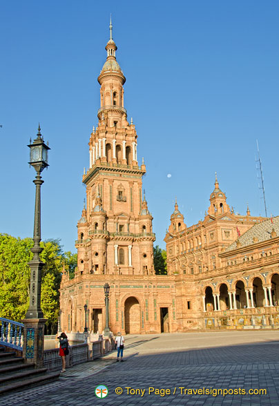 One of the two Plaza de España towers