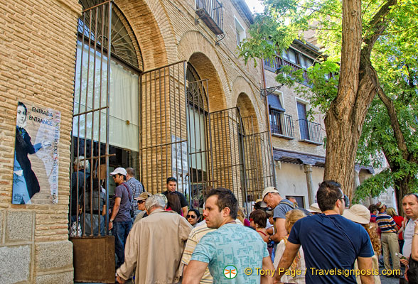 Queueing to enter the Casa y Museo del Greco