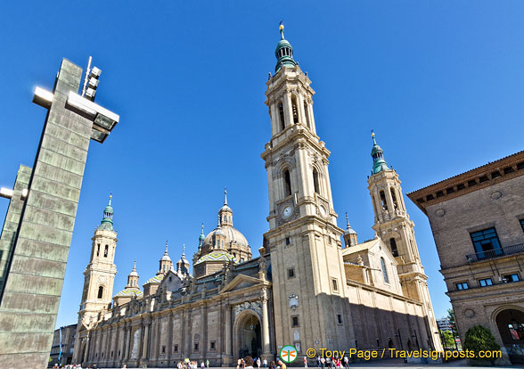 Towers of the Basilica del Pilar