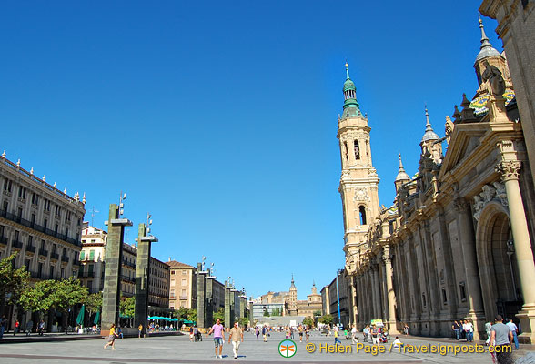 Plaza del Pilar is also known as Plaza del Catedrales