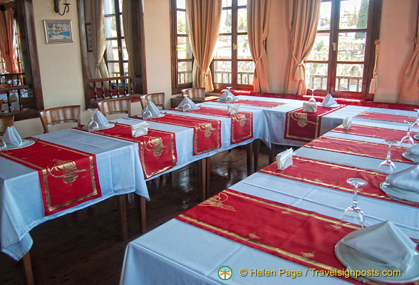 Table setting of the Sultan Hanim Mansion restaurant
