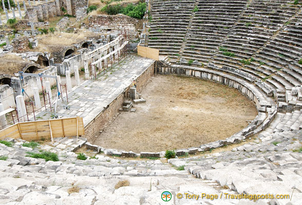 Aphrodisias theatre had seating for 7,000 people