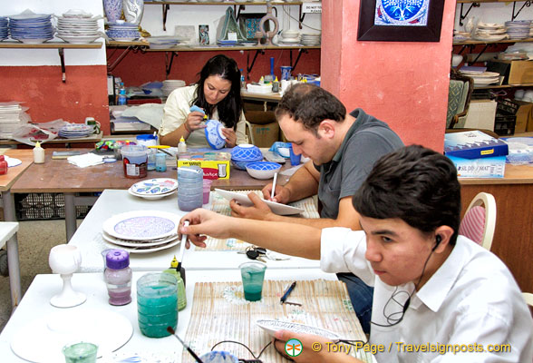 Young artists at Avanos Pottery