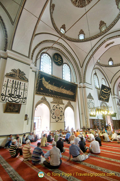 Prayer groups at the Ulu Camii
