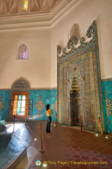 Helen admiring the Mihrab