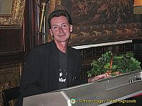 Entertainer at the Marchfelderhof Restaurant