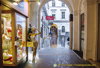 Shopping arcade in Vienna